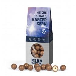 Orzechy laskowe w czekoladzie mlecznej / Hazelnuts in milk chocolate in block bottom carton